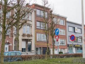 Zeer centraal gelegen in de stadsrand van Antwerpen, bevindt zich dit uiterst charmant appartement op de eerste verdieping van een kleinschalige resid