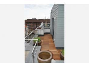 Dit appartement met één slaapkamer is goed gelegen op een boogscheut van de Grote Markt van Sint-Niklaas. De woonkamer en open keuken ge