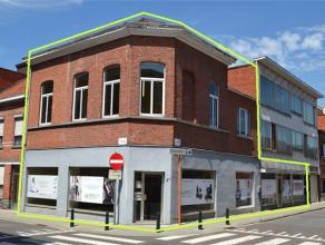 Dit op te frissen gebouw is zeer gunstig gelegen in het centrum van Sint-Niklaas: scholen, winkels en de Grote Markt liggen op wandelafstand. Het geli