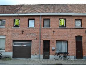 Deze instapklare woning dichtbij het centrum zoekt nieuwe eigenaars. De woning heeft een prachtige keuken en grote leefruimte die uitkijkt op het terr