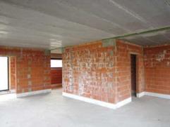 Nieuwbouwwoning op perceel van  260m² te koop te Olsene.  Vermelde prijs is incl. alle kosten, met materialen conform lastenboek. Afwerking wordt