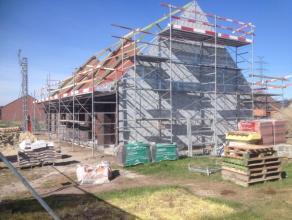 Nieuw te bouwen 2-gevelwoning met grote tuin met goede oriëntatie. Bouwstart overeen te komen.  Afwerking en inrichting zelf te bepalen. Opgegeve