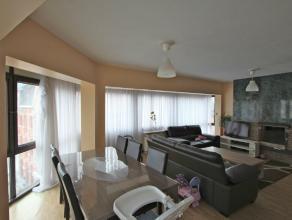 Ruim 2-slaapkamerappartement met zicht op markt LedebergLicht op te frissen appartement met mooi zicht op de markt. Zuidgerichte, lichtrijke leefruimt