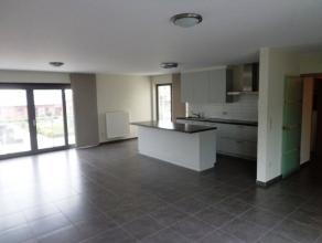 Ruim&gezellig instapklaar appartement bestaande uit;inkom,living&eetplaats met open ing keuken,ing badkamer(ligbad&douchecabine),2slpks;wa