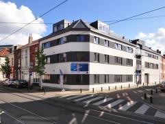 Appartement van ca. 149 m² voorzien van een riante, lichtrijke leefruimte met open keuken, een berging met aansluiting voor wasmachine en droogka