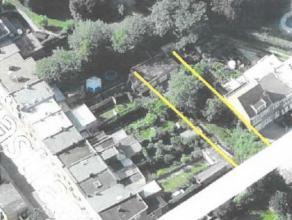 Bouwgrond voor halfopen bebouwing + garageboxen Deze bouwgrond is geschikt voor het bouwen van een half open bebouwing of een gesloten bebouwing. De g