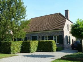 Recente woning met stalling en weiland Recente, instapklare gezinswoning met weiland en stalling gelegen te Oud-Turnhout in een groene omgeving. Grond
