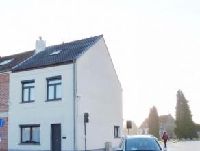 Deze woning is gelegen in de buurt van winkels en scholen, niet ver van de Ring rond Turnhout. De woning ligt op wandelafstand van wandel- en fietskno