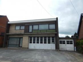 Woonhuis met magazijn te koop Een woonhuis met magazijn te Olen, Ven, 7, volgens kadaster sectie G, nummers 225 H en 225 k, voor een oppervlakte van 1