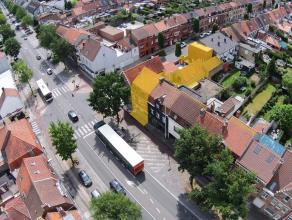 HANDELSPAND met ruime WOONST op DE commerciële invalsweg van Brugge! Toegankelijk via Maalse Steenweg en Assebroeklaan (Eventueel OPSPLITSBAAR).