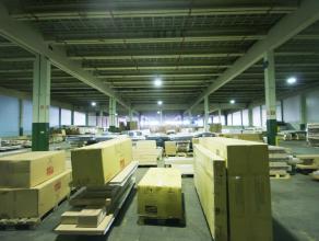 """Instapklaar magazijn/opslagruimte (1.780m²) op industriezone """"Herdersbrug"""" te Brugge Benaderende AFMETINGEN: 48m x 37m.AFWERKING: Betonnen constr"""