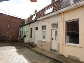 Gerenoveerde woning in rustig straatje, vlakbij het Astridpark !<br /> <br /> De woning is vernieuwd van ramen (pvc met dubb. begl), heeft een goedg