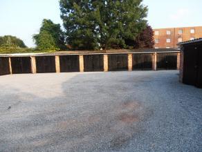Perfect gelegen garagebox aan de kleine ring van Hasselt t.h.v het Kolonel Dusartplein op een perceel met verschillende garages.   Voor meer inlicht