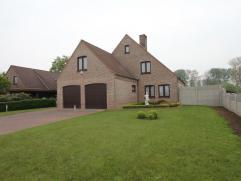 Deze prachtige villa op 10 are grond is gelegen in een deelgemeente van Geraardsbergen en heeft heel wat troeven: rustig...