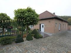 Prachtige bungalow volledig verbouwd vanaf 1983 met residentiële ligging op +/- 10 aren grond en voorzien van alle com...