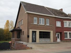 Instapklare halfopen bebouwing! Deze woning is gerenoveerd en instapklaar! Een zeer gunstige ligging : Gelegen op...
