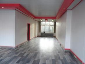PROFESSION LIBERALE OU BUREAUX : REZ-DE-CHAUSSEE COMMERCIAL en très bon état - 120 m2, très bien agencé -  kiné, m&