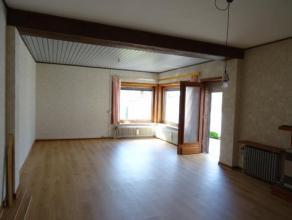 MAISON A LOUER dans un endroit calme et aéré, se compose de 3 chambres, nouvelle cuisine semi-équipée, grand living/salle-