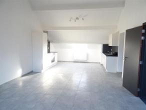 Superbe APPARTEMENT NEUF de 90 m2 : tout confort. 1ère occupation comprenant hall commun, grande cuisine équipée (2 plans de trav