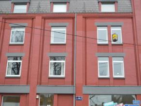 Grand appartement deux chambres,salle de bain, cuisine équipée,buanderie,wc séparé,salon et salle à manger au deuxi