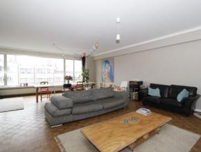 Ruim appartement ca. 165m² voorzien van 4 slaapkamers en terrasRuim appartement op de 7de verdieping met 4 slaapkamers en 2 badkamers.Inkomhal me