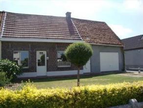 Deze hoekwoning kent een aangename ligging nabij het centrum van Maldegem. Indeling: living, keuken, kelder, badkamer en 3 slaapkamers, waaronder 1 va