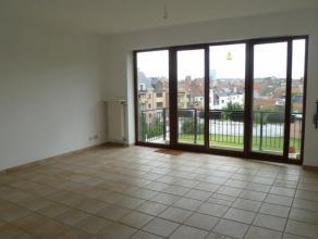 Koekelberg, bel appartement de 75 m² comprenant un spacieux séjour de 30 m², une belle chambre de 16 m², une cuisine semi-&eacut