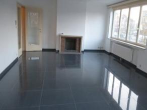 Place Schweitzer, Bel appartement entièrement rénové composé d'un spacieux et lumineux séjour, cuisine équip
