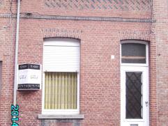 Vraagprijs € 125.000 - bouwjaar tussen 1900 en 1918 - Kl. beschrijf mogelijk!  Indeling: GLVL.: inkom, living, keuken (niet geïnstalleerd), ko