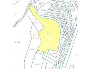 Terrain situé en zone d'habitat cadastré section A n 0652LP0000 d'une cont. de 01 ha 51 a 07 ca. Rens.: s'adresser en l'Etude.