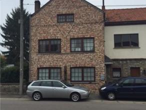 Une maison d'habitation. section B n 92 G 2. Superf.: 165m². RC: 317euro. Comp.: rez: hall d'entrée, sal./sàm, cuis. éq. ave