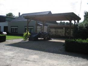 Rustig gelegen woning met tuin, gekadastreerd sectie A nr 474/m2, groot volgens kadaster 6 a 90 ca, begrijpende: inkomhall met trap, living met zit- e