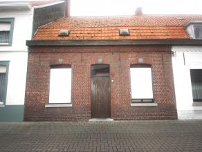 KOOP 2:Een woonhuis. Kad. bek. sec. C nr. 0706EP0000, met een opp. volg. kad. 197 m². K.I.: 327 euro. Klein beschrijf mogelijk.Glvl: zitplaats, k