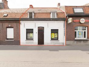 KOOP 3:Een woonhuis. Kad. bek. sec. C nr. 0703CP0000, met een opp. volg. kad. 103 m². K.I.: 257 euro. Klein beschrijf mogelijk.Glvl: eetplaats, z