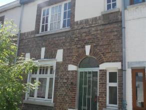 Maison dhabitation comprenant : Rez : hall dentrée, séjour à gauche en entrant, salle à manger, cuisine semi-équip&
