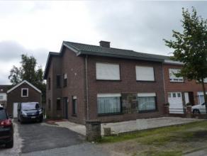 Half-open WONING met garage met verdieping + garage in opbouw + tuin te 9920 Lovendegem, Voetbalstraat 18 gekad. Lovendegem, 2Â afd., sectie B,