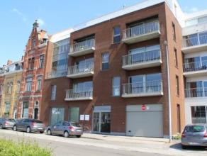 Instapklaar appartement, gelegen op de eerste verdieping, links van de ingang, nummer 1.01 en huisnummer 8.01,01, omvattende: inkomhall, uitgevende op