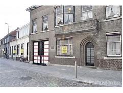 TEMSE - TIELRODE  TEKOOPSTELLING ONROEREND GEHEEL WOONHUIS met achterliggende bedrijfsgebouwen (vroeger brouwerij) palend aan Antwerpse Steenweg 12 Ge