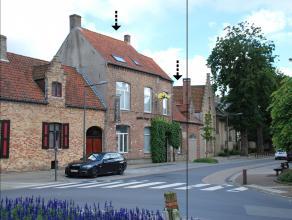 Karaktervolle stadwoning/galerijgroot 385 m².Bestaande uit:1° Praktijkruimte/burelen (132m²). 2° woongedeelte: salon, living met ter