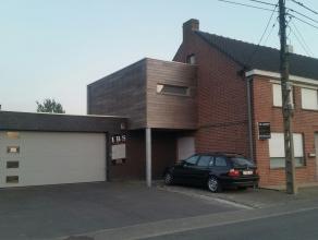 Zeer rustig gelegen instapklare woning met grote garage (70 m2) en aangelegde tuin.- sie C nummer 456/T/3  - groot 800 m2 -  K.I. 368 euro - EPC 554 -