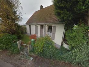 Landelijk gelegen woning, vlotte aansluiting met E40 te Drongen.  Opp. 1328 m²  Prijs:  235.000 EPC: 684  Bel 0473 300 700   BEL GRATIS 0800 15 7