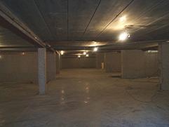 Residentie Delvaux Ondergrondse autostaanplaats + berging ( gesloten met elektriciteit) .