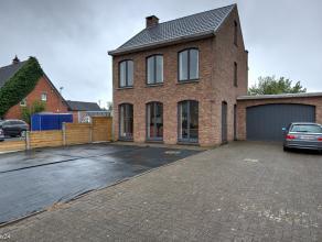 Eengezinswoning, strategisch gelegen en structureel perfect in orde!<br /> Inpandige garage,2 grote garages (werkplaatsen/opslagplaatsen) in de tuin e