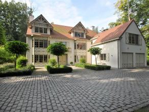 Ruime luxe villa met karakteristieke uitstraling, residentieel en nabij het dorpscentrum gelegen, op een zuid gericht perceel van ca. 2.000 m². 5