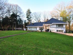 Ruime luxevilla met 5 slaapkamers en 5 badkamers gelegen te Kapellenbos.