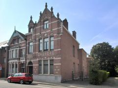 Statig, karakteristiek herenhuis, met 6 slaapkamers, 2 badkamers en tuin, in het centrum van Essen op een perceel van 1.768 m².