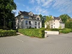 """Luxe appartement van ca. 190 m² op de 1e verdieping in het afgesloten parkdomein """"Villa Verde"""" te Essen met o.a. 3 slaapkamers, 3 badkamers, lich"""