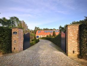Rustig en landelijk gelegen villa met 2-3 slaapkamers, 2 badkamers, volledig onderkelderd op een perceel van ca. 4.900 m².