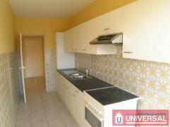 Forest National - Appartement entièrement rénové en 2005 (80m²) avec deux chambres (14 et 10 m²), Cuisine équip&