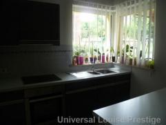 Jolie maison entièrement rénovée avec matériaux haut de gamme, meublée, à Uccle proximité de Saint Jo